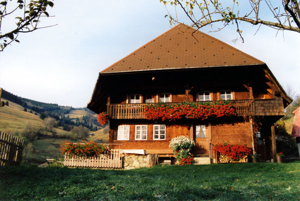 Vorderansicht Schwarzwaldhaus Bühlhof